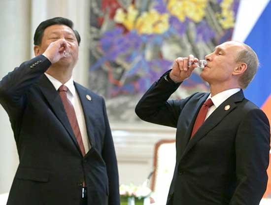 """Đừng biến Nga thành """"tay lái súng có hạng"""" ở Biển Đông"""