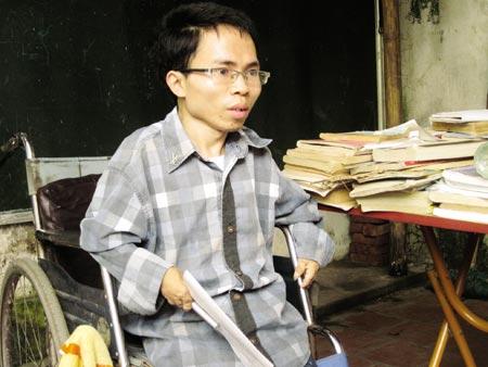 Kết quả hình ảnh cho thầy giáo khuyết tật nguyễn trai
