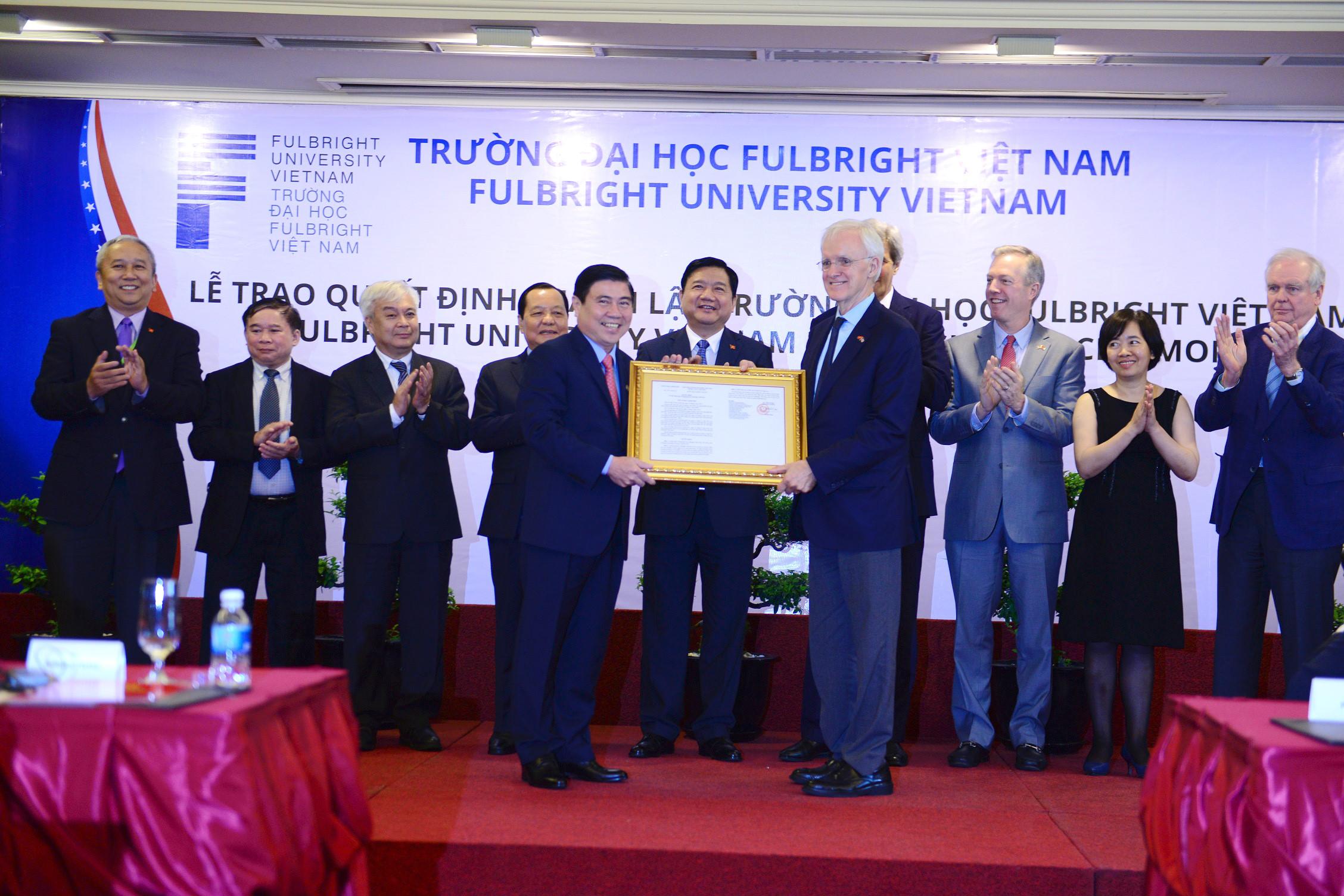 Trường Đại Học Mỹ đầu tiên tại Việt Nam đi vào hoạt động.