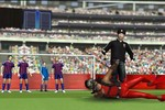 Clip chế nhạo pha ăn vạ 'siêu đẳng' của Luis Suarez