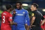 Fan Chelsea và M.U đấu khẩu dữ dội sau đại chiến
