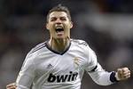 Ronaldo 'dằn mặt' báo chí trên Facebook
