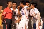 V-League đang bị 'ông trùm' trọng tài thao túng?