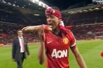 Mừng vô địch, Evra chế giễu hành vi 'cẩu xực' của Luis Suarez