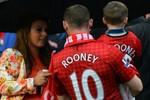 Rooney buồn tủi trong ngày vui của M.U