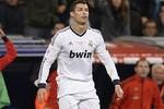 Quay chậm: Ronaldo bị 'bẫy' thẻ đỏ oan uổng