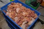 Clip: Bắt 297 kg thịt gà bốc mùi trong kho siêu thị Co.op Mart
