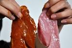 Trung Quốc bắt giữ nhóm làm giả thịt bò, thịt cừu gây ung thư