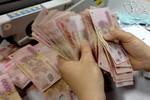 """TS Nguyễn Trí Hiếu """"giải mã"""" động thái cắt giảm lương của hàng loạt NH"""