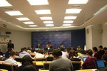 World Bank: Kinh tế Việt Nam vẫn đang trì trệ, tăng trưởng mức thấp
