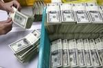"""Mỗi người Việt Nam đang """"gánh"""" 20 triệu đồng nợ công: Có nguy hiểm?"""