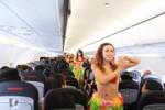 Nhảy múa bikini trên chuyến bay, VietJet Air nhờn luật?