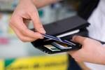 Mỗi người Việt dùng 4 thẻ ngân hàng: Mừng hay lo?