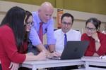 Vinshool nhận chuyển giao chương trình kỹ năng thế kỷ 21
