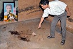 Hà Nội: Bố đẻ dìm nước con trai 10 tháng tuổi đến chết