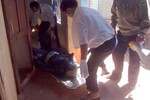 Nam thanh niên bị treo cổ trong phòng trọ