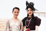 """Lý Nhã Kỳ """"lấn át"""" minh tinh Trung Quốc Châu Tấn sau tâm thư giải nghệ"""