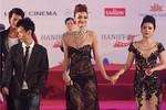 Hồng Quế mặc váy xuyên thấu: 'Tôi kệ người ta nói'