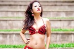 Nghệ sĩ hài Thúy Nga chụp bikini thi hoa hậu tại Mỹ