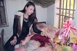 Trà Ngọc Hằng về Ninh Bình thăm cụ Hà Thị Cầu