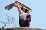 Vợ chồng danh hài Chí Trung chụp ảnh 'Titanic tuổi 53'