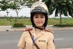 Lương Bích Hữu làm cảnh sát giao thông