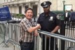 NSƯT Chí Trung: 'Xin lỗi, New York hơi bị xô bồ và bẩn'