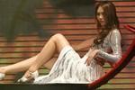 Quán quân Next Top mặc váy 'nhái' Hồ Ngọc Hà
