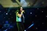Hà My hát rock đầy quyến rũ trên sân khấu The Voice
