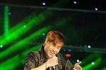 """Đinh Quốc Anh Huy """"bay"""" trên sân khấu The Voice"""