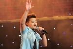Văn Phong làm bùng nổ sân khấu The Voice Kids