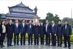 Chủ tịch Quốc hội Nguyễn Sinh Hùng thăm tỉnh Quảng Đông, Trung Quốc