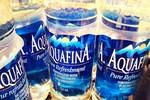 """Pepsi, Coca Cola dùng """"thủ thuật tiếp thị thế kỷ"""" để bán nước đóng chai"""