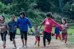 Lan tỏa niềm vui, đem điều bất ngờ tới trẻ em vùng cao