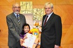 Thành công của học sinh Việt đánh đố giới khoa học Đức