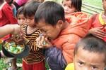 Chia sẻ khó khăn với người dân vùng cao Quảng Bình
