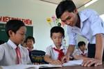 Thầy giáo trẻ xung phong ra Trường Sa gieo chữ