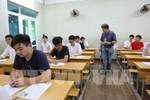 Hà Nội vẫn còn tình trạng mang điện thoại vào phòng thi