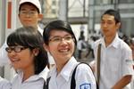 Ảnh: Những nụ cười rạng rỡ của thí sinh khi kết thúc môn thi Toán