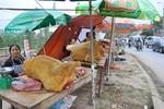 Tiểu thương chợ Viềng ngao ngán vì thịt bê thui ế ẩm