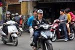 """Hà Nội: """"Đua nhau"""" vi phạm giao thông ở trung tâm Thủ đô"""