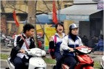 Học sinh vi phạm giao thông tràn lan ngay giữa thủ đô Hà Nội