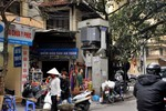 Người Hà Nội liều mạng sinh nhai cạnh trạm biến áp