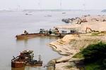 Điều tra hoạt động khai thác cát trái phép tại Hưng Yên
