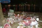 Chùm ảnh: Sau giao thừa, hồ Gươm còn lại toàn...rác thải