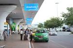 Thu phí ô tô vào ga hàng không rất phản cảm, vì sao Bộ Giao thông chưa bỏ?