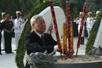 Tổng Bí thư Nguyễn Phú Trọng viếng Nghĩa trang Liệt sĩ TP.HCM