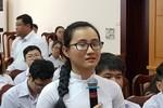 """Nữ sinh Sài Gòn bật khóc nói về giáo viên """"không nói gì cả"""" trong lớp"""