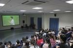 Trường Đại học Hoa Sen cho sinh viên nghỉ học, xem và cổ vũ Olympic Việt Nam