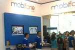 Đi qua 7 gian hàng, lấy 7 chữ ký vẫn không nhận được quà của Mobifone